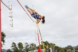 Pole vaulter Laurel Wong '19 makes history