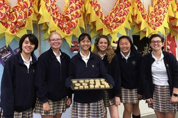 Students celebrate Chinese Moon Festival