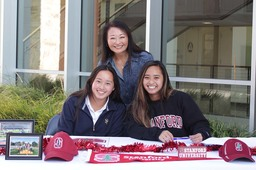 Pole vaulter Laurel Wong '19 signs letter of intent with Stanford
