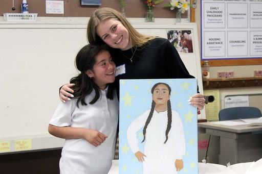 Artists surprise Salinas girls with portraits