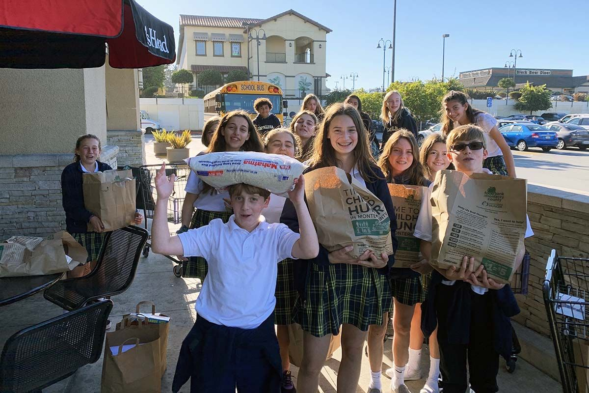 Cougars come through for the hungry during Thanksgiving season